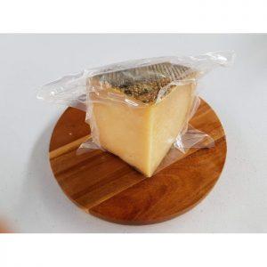 queso curado de oveja con leche cruda queseria peñitas